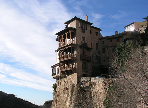 Prepara un viaje barato en bus a Cuenca