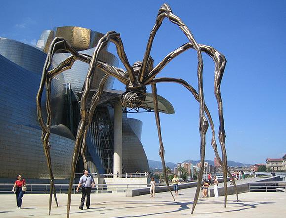 Disfruta del Museo Guggenheim viajando en autobús a Bilbao