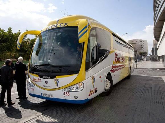 Disfruta de Cádiz haciendo un viaje barato en autobús
