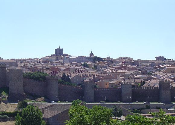 Este verano disfruta de un viaje en autobús a Ávila