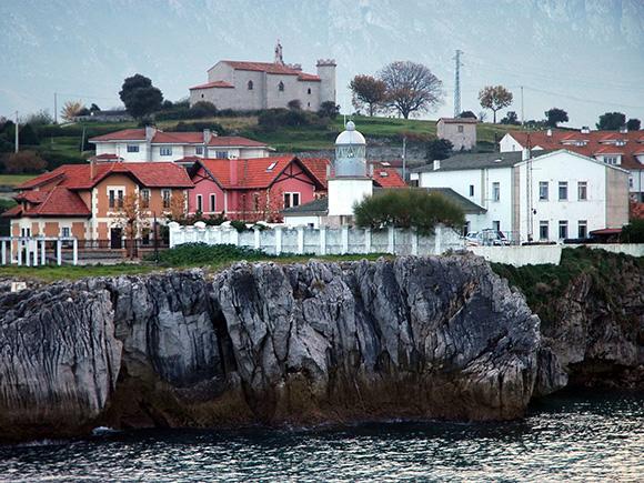 Disfruta de estas villas marineras de Asturias viajando en autobús