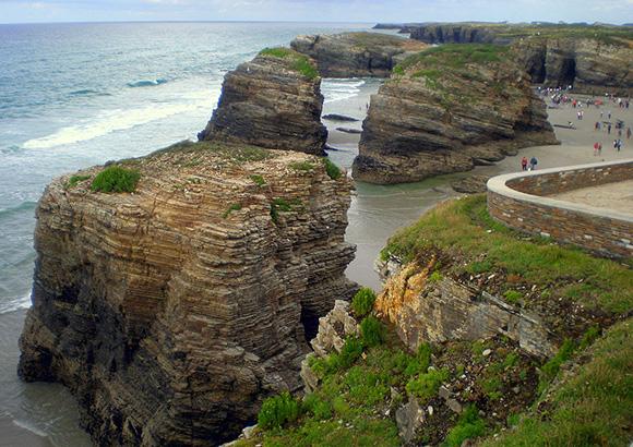 Este verano viaja a alguna de las mejores playas de España en autobús