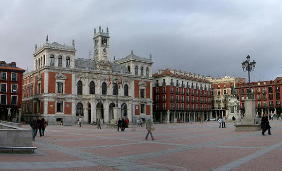 Aprovecha tus vacaciones para hacer un viaje barato en autobús a Valladolid