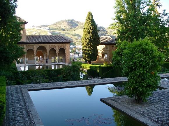 Viaja en bus a la Alhambra de Granada