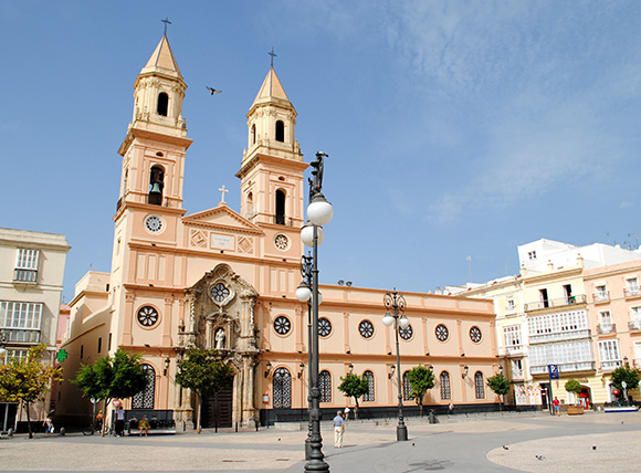 Prepara un viaje barato en autobús a Cádiz en septiembre