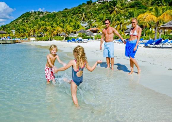 La playa se impone en las preferencias de los españoles para el verano