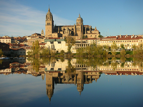 Haz un viaje barato en autobús a la ciudad de Salamanca