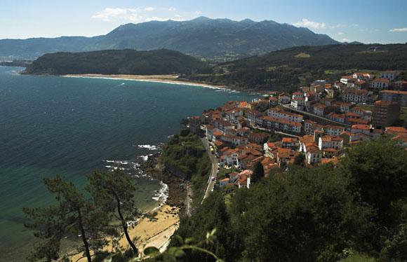 Viaja en autobús a Asturias para conocer estos pueblos marineros