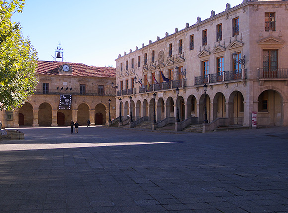 Prepara un viaje barato en autobús a la ciudad de Soria