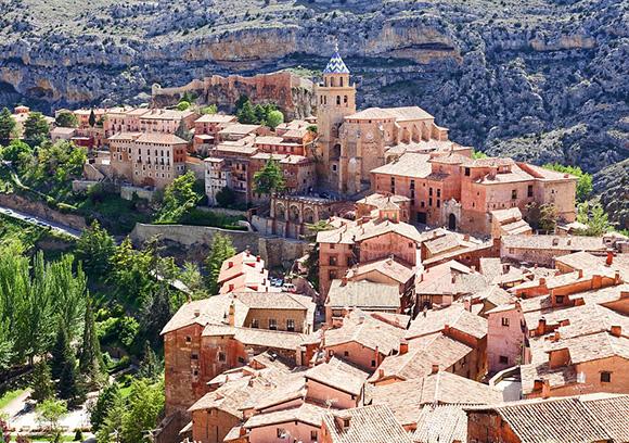 Prepara un viaje barato en autobús a Albarracín