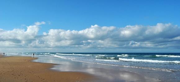 Andalucía fomenta la mejora de sus playas e infraestructuras turísticas