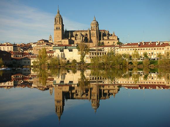 Disfruta de una escapada barata en autobús a Salamanca