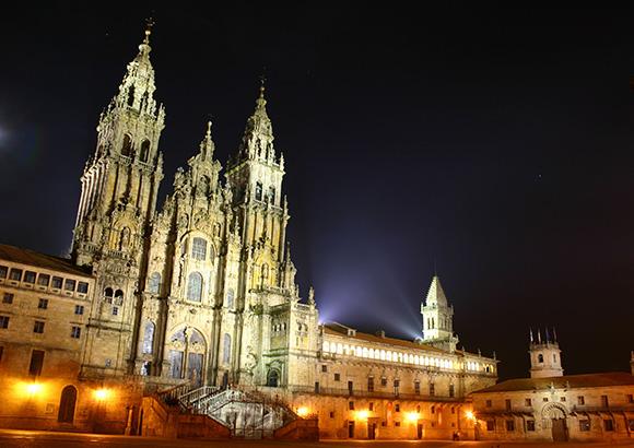 Conoce Santiago de Compostela haciendo un viaje barato en autobús