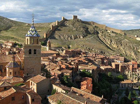 Conoce Albarracín haciendo un viaje barato en autobús