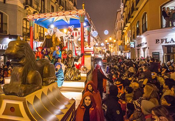 Disfruta de estas cabalgatas de Reyes viajando en autobús
