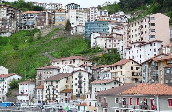 ¿Qué pueblos del País Vasco merece la pena visitar viajando en autobús?