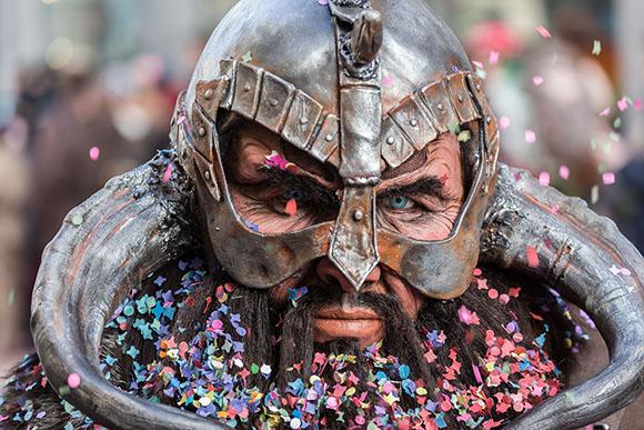 Disfruta de los Carnavales de Badajoz viajando barato en autobús