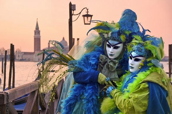 Los viajes más asequibles en autobús para viajar en carnavales 2017