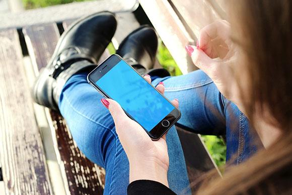 Sácale el máximo partido al móvil viajando en autobús