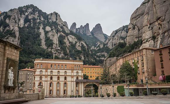 Autobuses baratos al Parque Natural de Montserrat otoño 2017