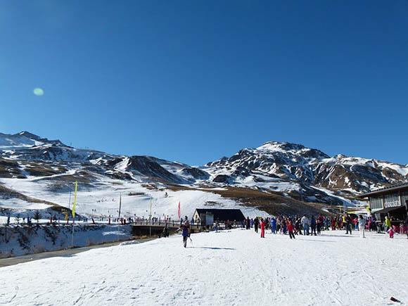 Estaciones de esquí a las que viajar en autobuses baratos este invierno 2017