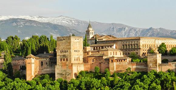 Autobuses baratos a Granada para visitar el Hammam de la Alhambra