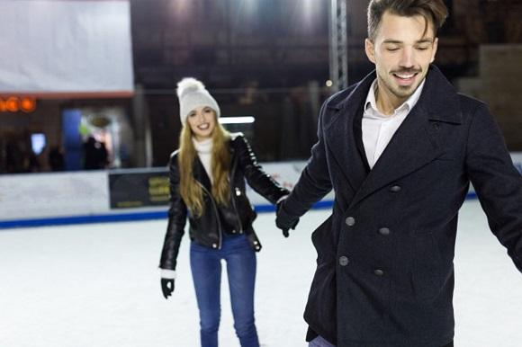 Viajes baratos en autobús para acudir a patinar sobre hielo en Madrid