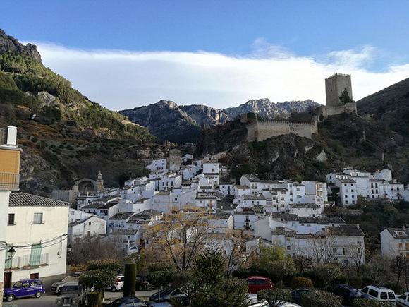 Viaja a Jaén en autobuses baratos y disfruta de sus castillos este 2018
