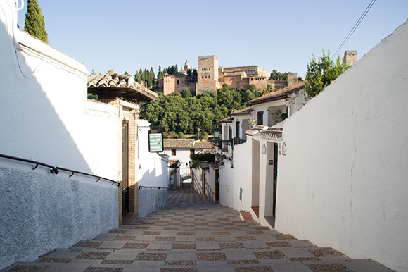 Autobuses baratos a Granada en agosto 2018