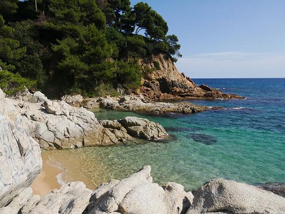 Conoce la costa de Cataluña este verano 2018 en autobuses baratos