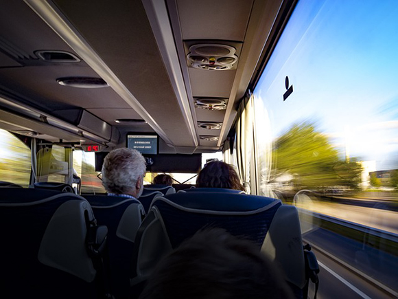 Las ventajas de viajar en autobús este verano 2018