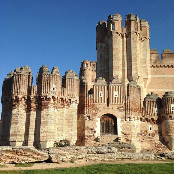Autobuses baratos a los castillos de Castilla y León octubre 2018