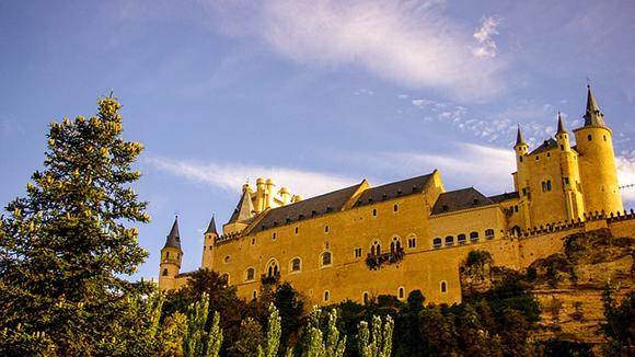 Disfruta de Segovia en tu próximo viaje barato en autobús 2019