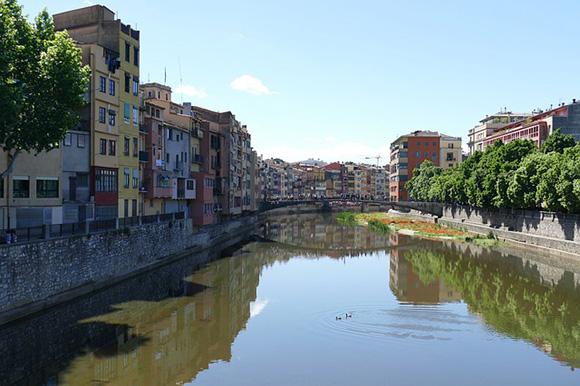 A Girona en autobuses baratos este junio 2019