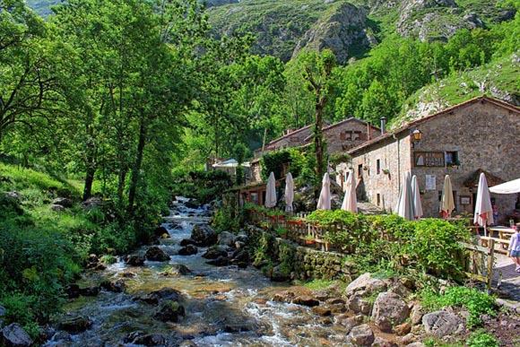 En agosto 2019 autobuses baratos a Asturias