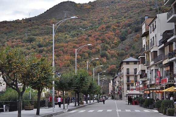 Descubre Lleida en autobuses baratos este julio 2019